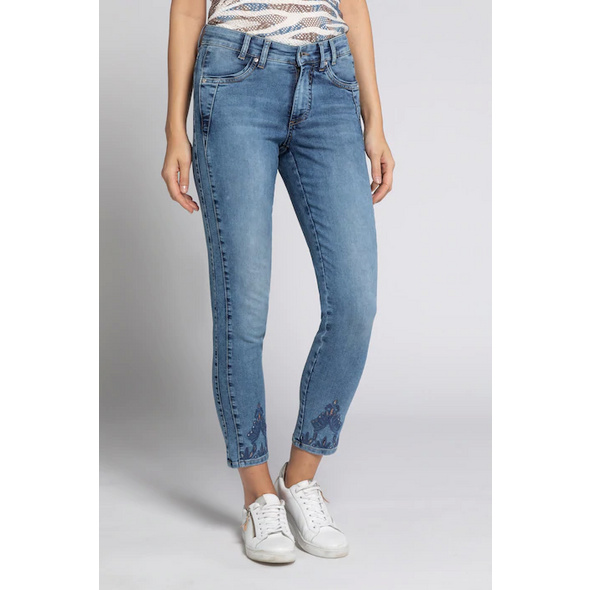 Gina Laura Jeans Julia, Lochstickerei, schmale 5-Pocket-Form